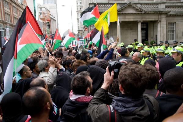 Protestors voice their anger over Israel's attack on an unarmed aid flotilla. London, 31 May 2010.